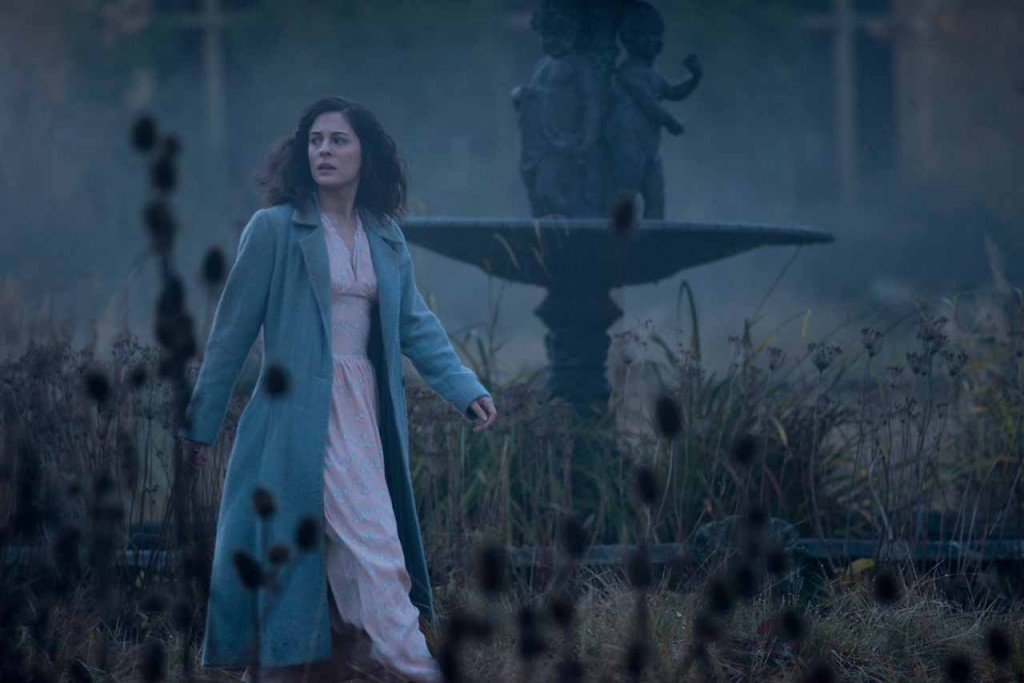 M10 – Phoebe Fox stars in Relativity Media's The Woman in Black: Angel of Death. © Angelfish Films Limited 2014 Photo Photo Credit: Nick Wall